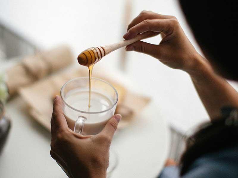 ترکیب شیر و عسل و ۷ فایده ارزشمندی که از آنها بیخبرید!