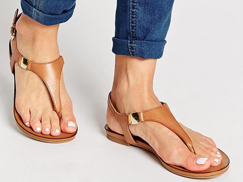 چگونه کفش روباز مناسب برای استایل خود انتخاب کنیم؟