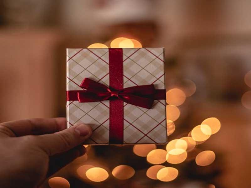 5 روش برای پیدا کردن بهترین هدیه مخصوص افرادی که در لیست خود دارید
